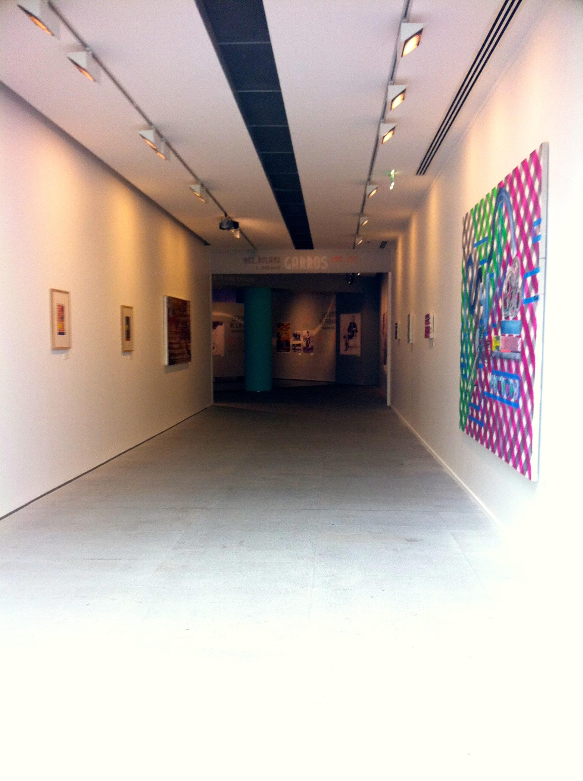 Galerie consacrée à l'univers du peintre espagnol Juan Uslé.