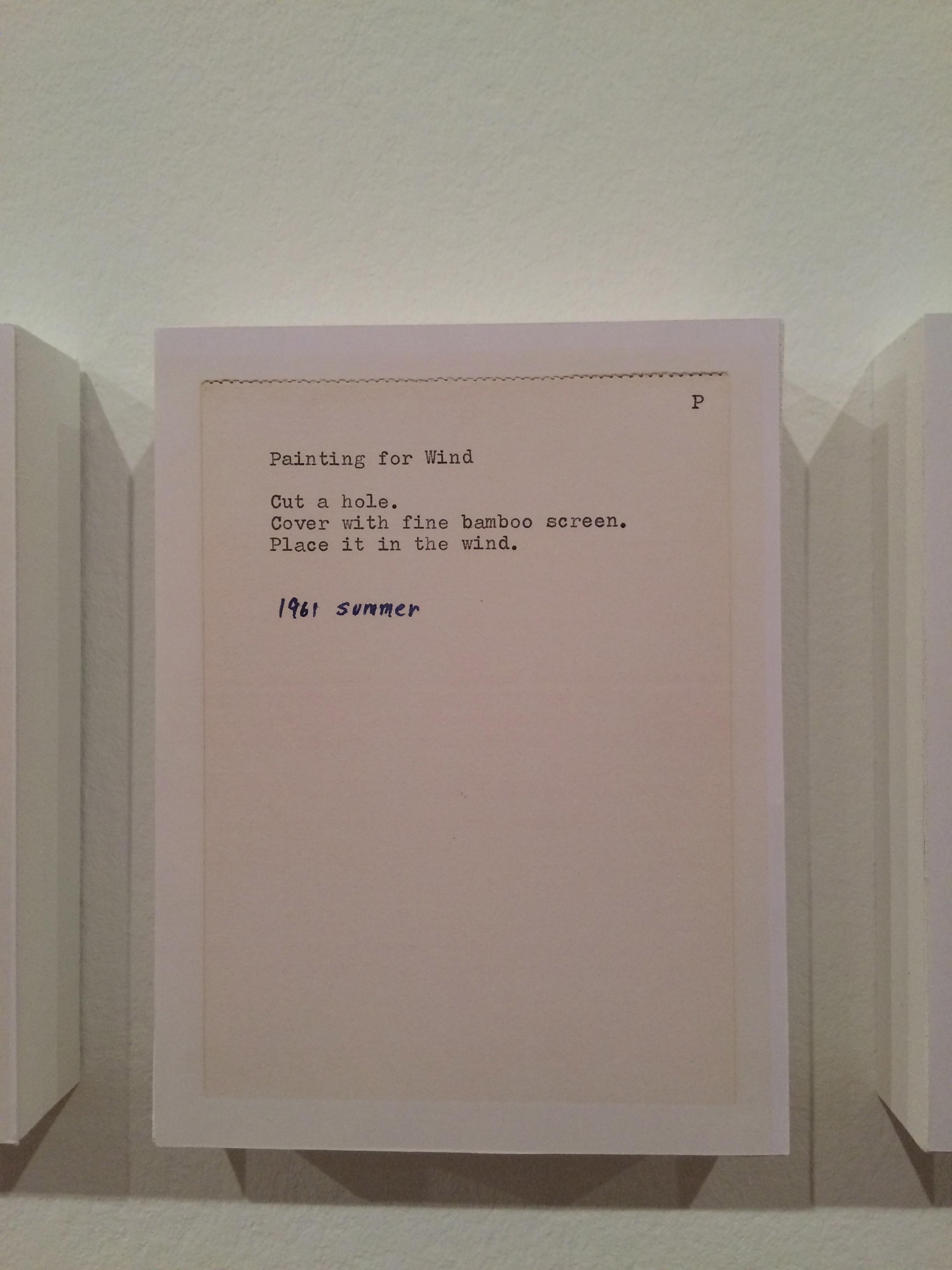 """traduction française de """"Grapefruit"""", dont quelques pages ont été accrochées sur les murs du premier étage."""